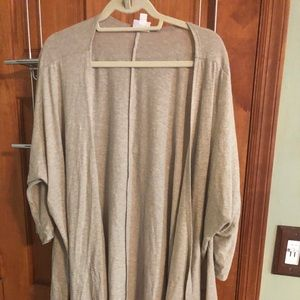 Oatmeal colored LULAROE Lindsay in size L